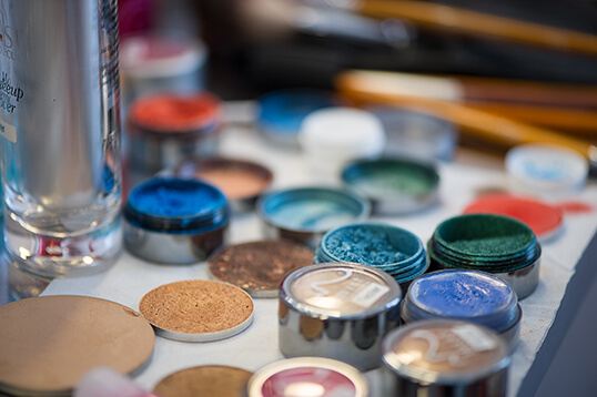 make up, beauty, mist stockhol, austria, wien, farben, wimpernzange