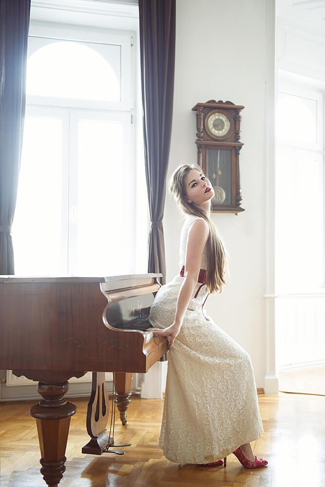 wedding, bride, the dress, glam the dress, trash the dress, bride, braut, hochzeit, liebe, spring, love, portrait, fotografie, wien, hochzeitskleid, manon krulis, ursula schmitz, fashion, mode