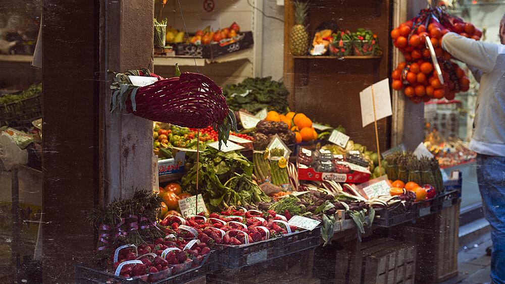 venedig, venezia, venice, italien, italia, italy, travel, canale grande, beauty, water, sea, fischmarkt, gemüse, erdbeeren