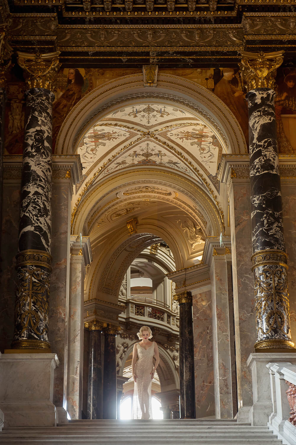 irina hofer, fashion, portrait, ursula schmitz, kunsthistorisches museum, wien, austria, beauty, simply gorgeous, bombshell, blonde, marilyn monroe