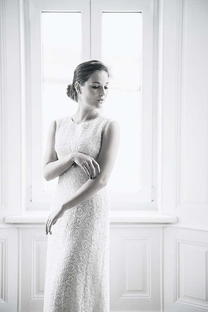 valentines day, romance, roses, love, white sheet, portrait, vienna, boudoir, ursula schmitz