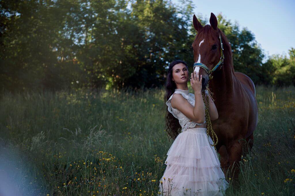 teenager, girl, beauty, wien, vienna, ursula schmitz, fotografie, portrait, photography, horse, pferd, equestrian, spring, summer, austria, sunset, romance