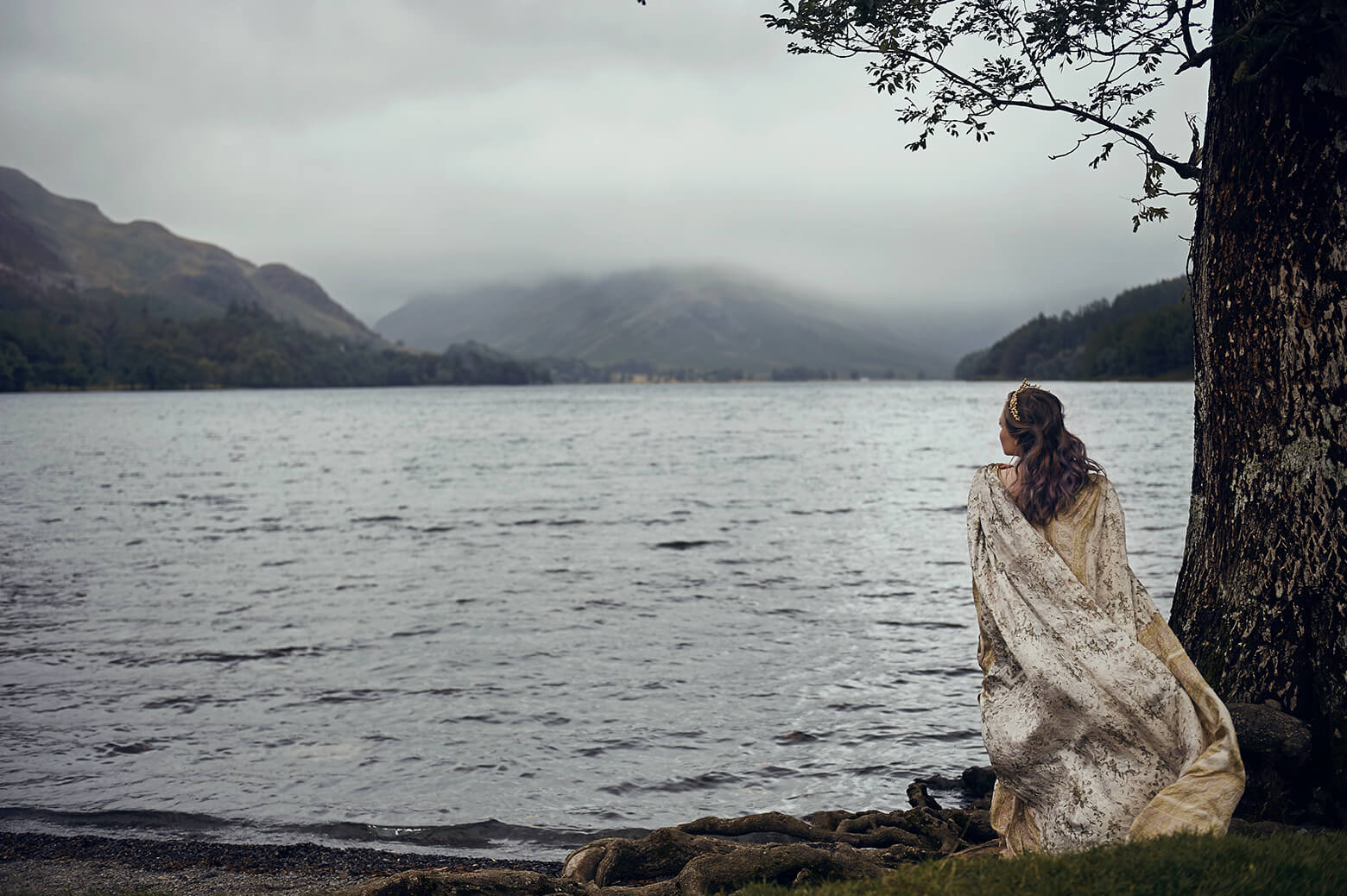 buttermere, lake district, actress, rogue management, destination photography, ursula schmitz, portrait, travel, lake, beauty, actress, Schauspielerin. fairytale, Märchen, dream photo shoot