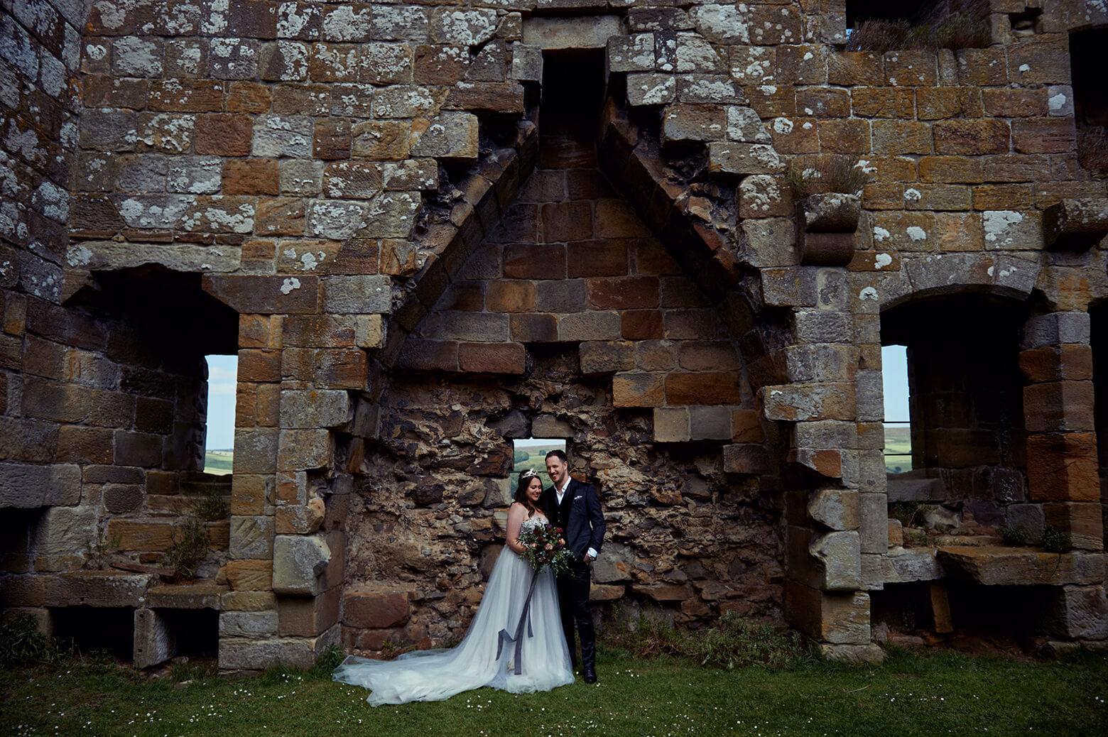 Ein sommerliches Hochzeits Fotoshoot in Danby Castle, Yorkshire
