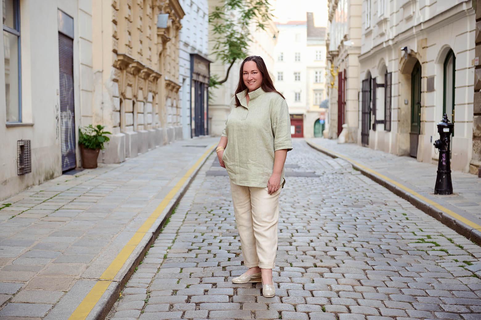 Curvy fashion shoot in Wien für Grand Style, Miriam Jezek.